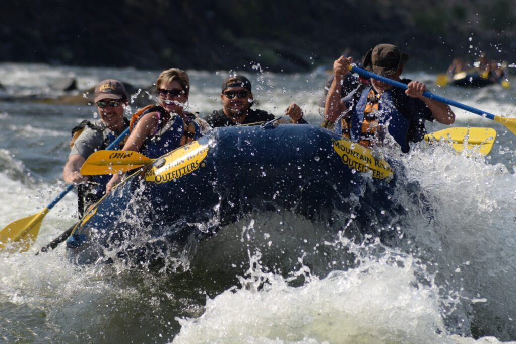 whitewater rafting on the main salmon river in idaho